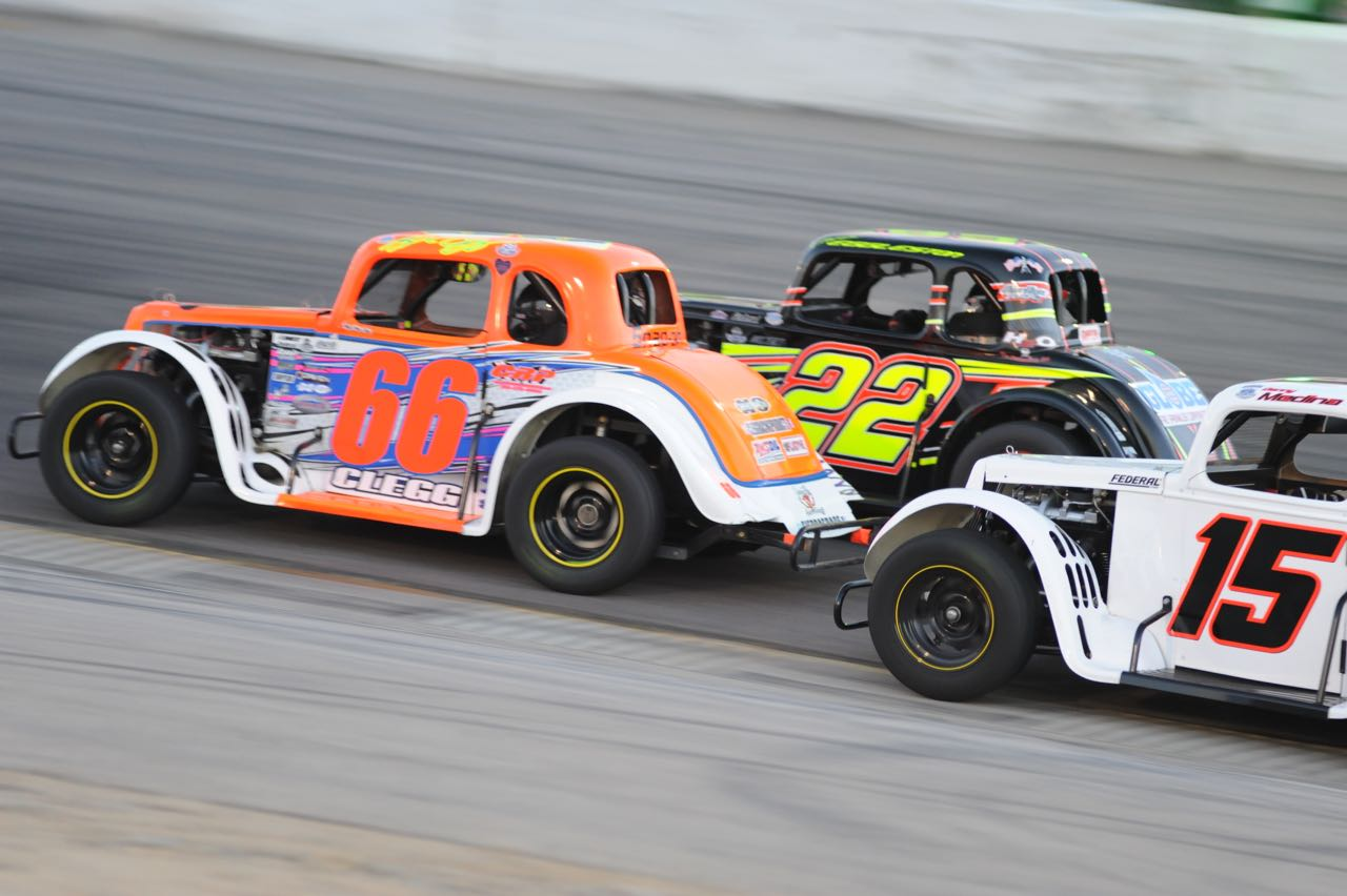 Kyle Clegg, Chris Eggleston, and Danny Medina battle for the lead (Starr photo)